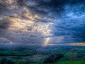 Обои Сказочная долина: Облака, Свет, Тучи, Небо, Даль, Прочие пейзажи