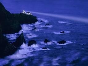 Обои Ночной маяк: Волны, Скалы, Маяк, Прочие пейзажи
