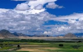 Обои Облака над полем: Облака, Поля, Небо, Прочие пейзажи