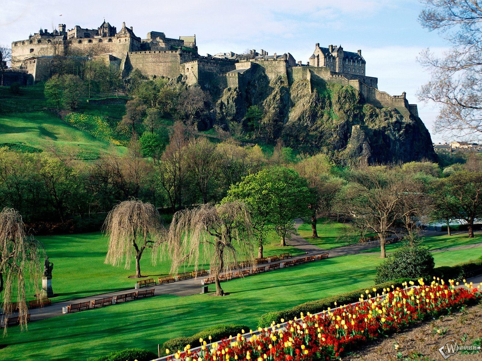 Edinburgh Castle 1600x1200