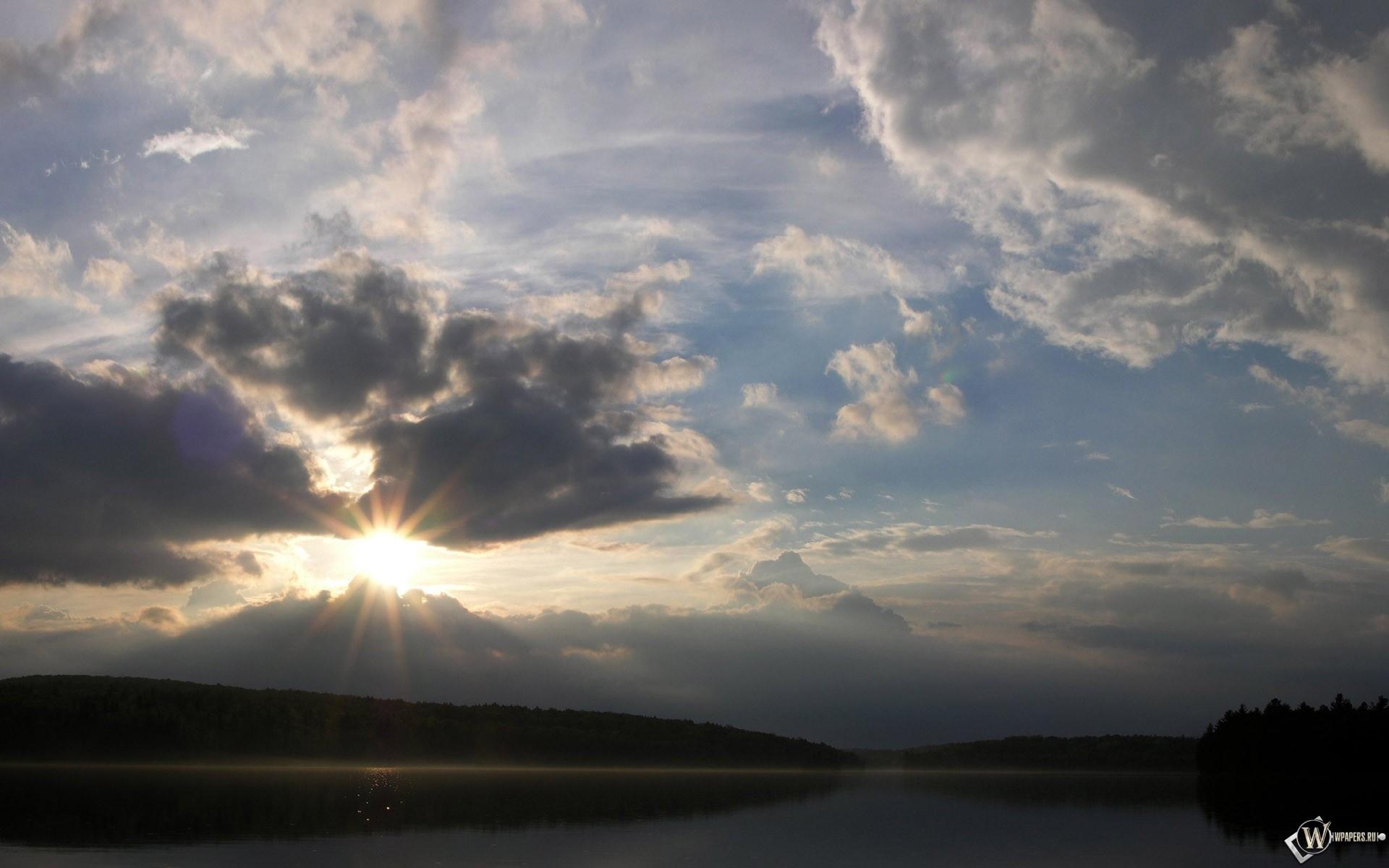 Солнце за облаками 1920x1200