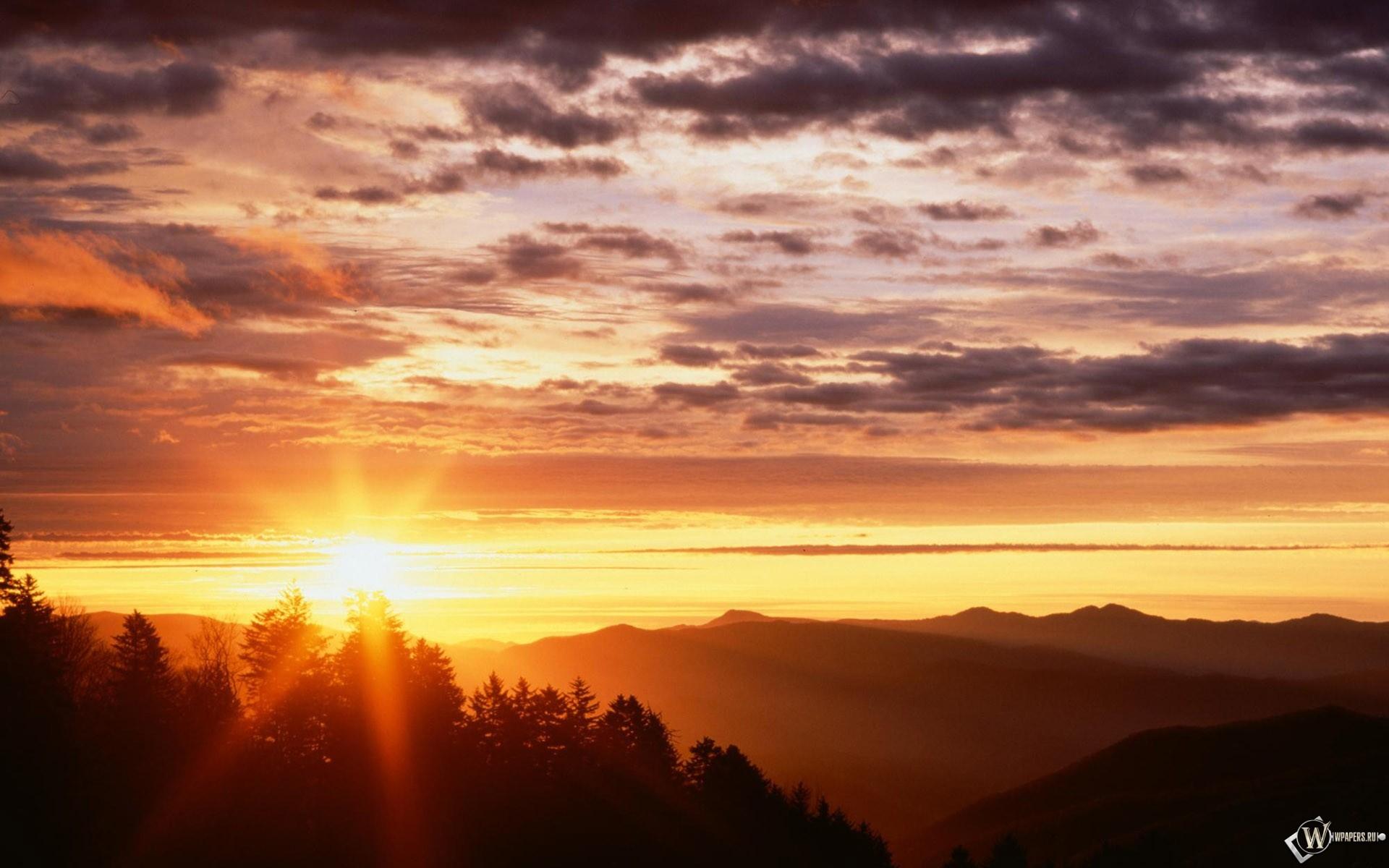 Восход в горах 1920x1200