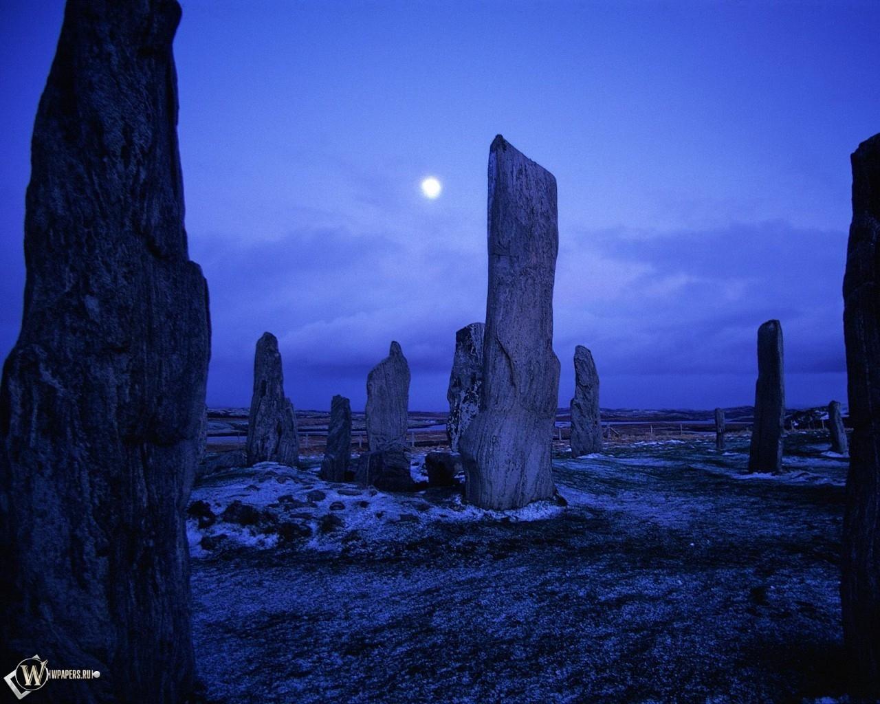Камни синей ночью 1280x1024