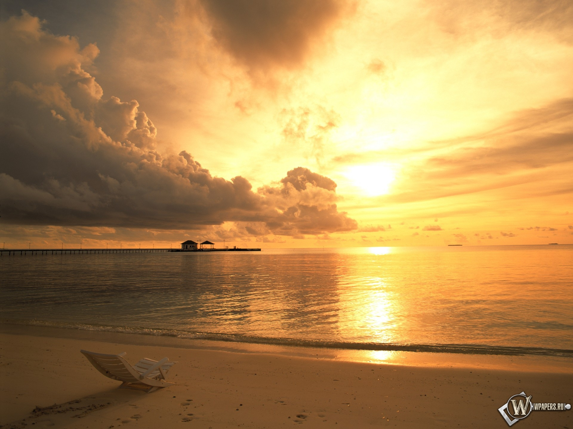 Пляж на закате 1920x1440