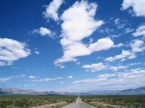 Обои Дорога в даль: Облака, Дорога, Даль, Прочие пейзажи