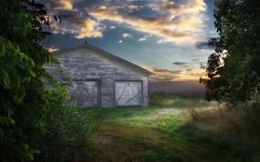 Обои Амбар в поле: Поле, Небо, Амбар, Ворона, Прочие пейзажи