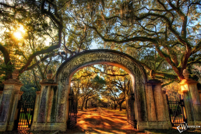 Ворота в парк 1500x1000