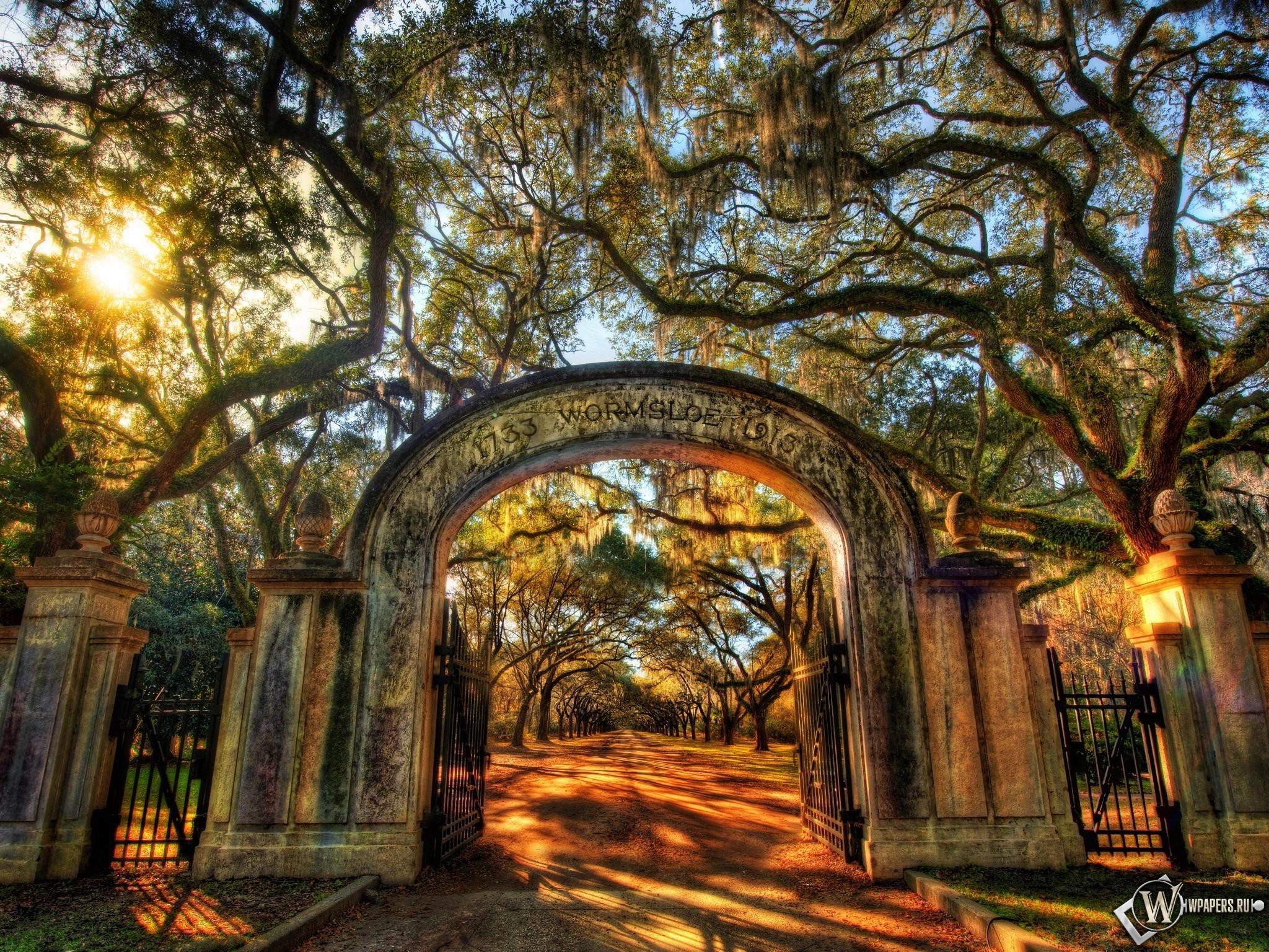 Ворота в парк 2048x1536