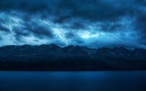 Обои Облака над горами: Облака, Горы, Сумерки, Синева, Горы