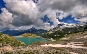 Обои Озеро в горах: Облака, Горы, Озеро, Горы