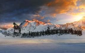 Обои Горное озеро зимой: Зима, Горы, Озеро, Небо, Горы