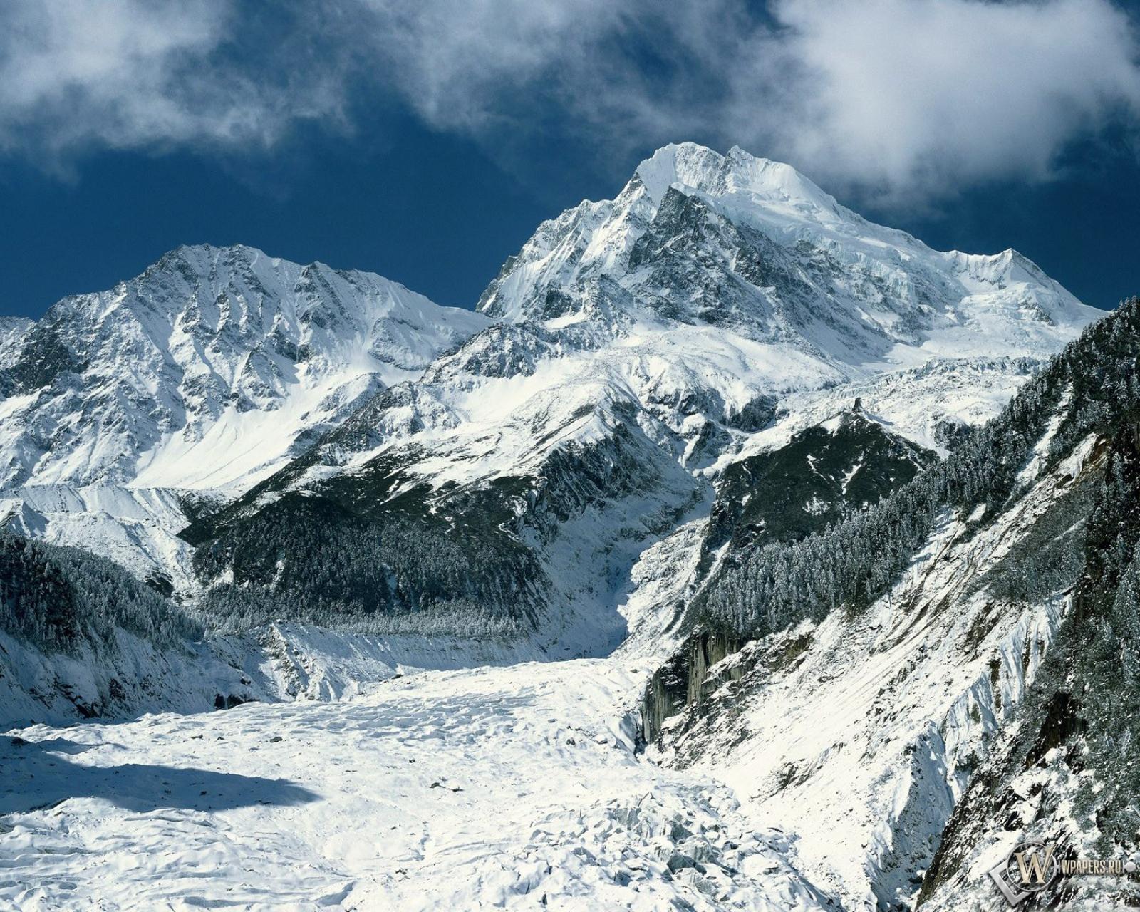 Зимние горы 1600x1280