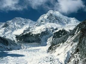 Обои Зимние горы: Облака, Зима, Горы, Снег, Лес, Небо, Елки, Горы