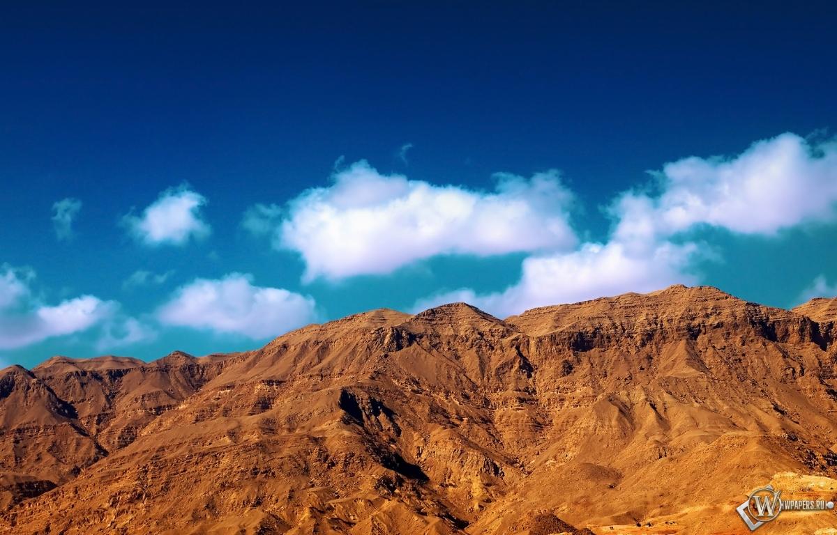 Ataqa mountain 1200x768
