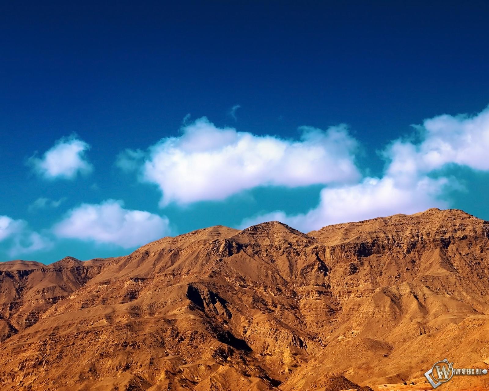 Ataqa mountain 1600x1280