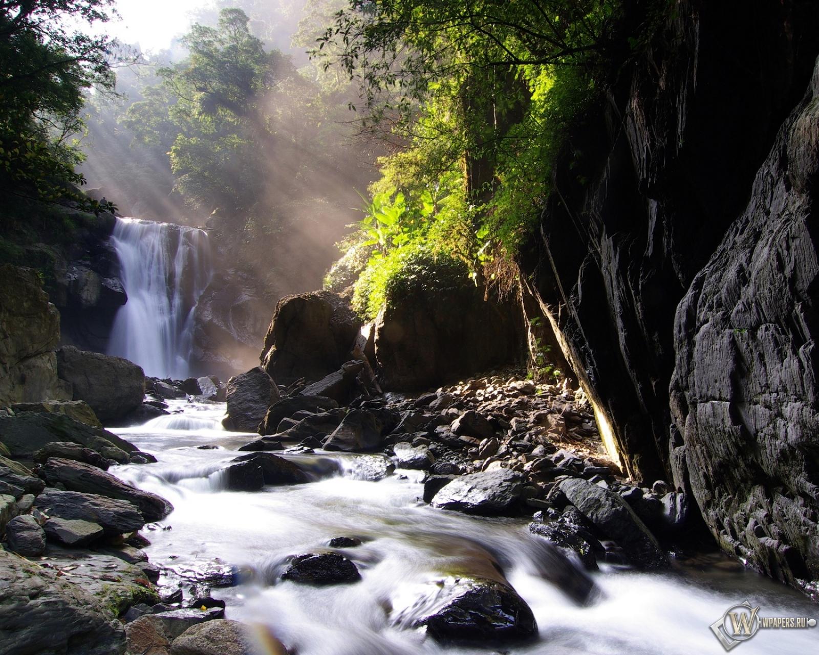 Neidong waterfall 1600x1280