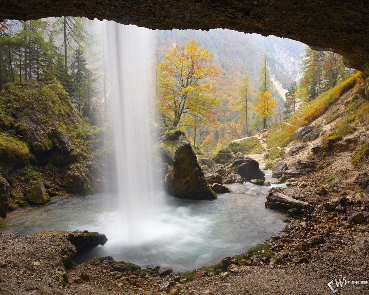 За водопадом 1280x1024
