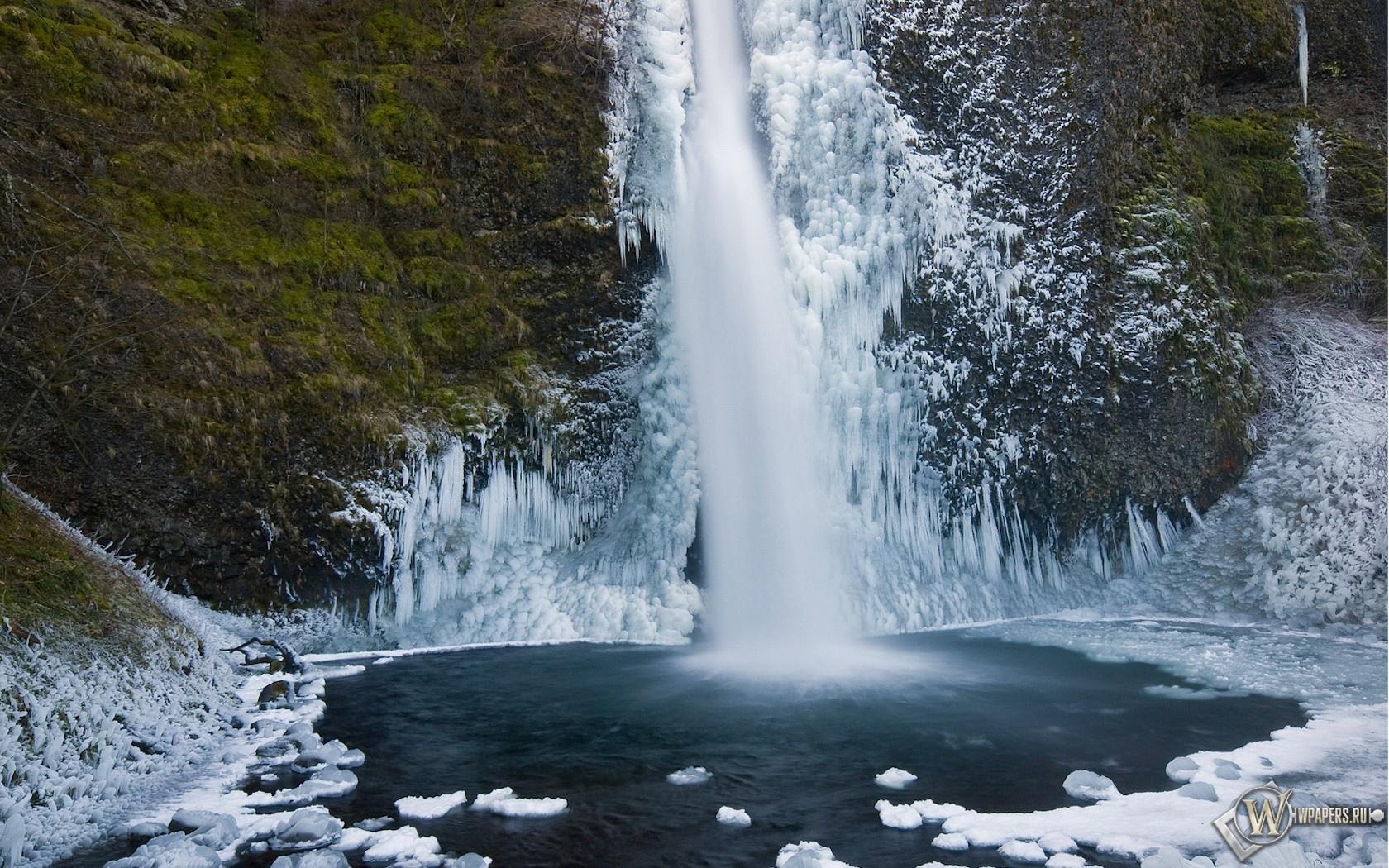 Зимний водопад 1680x1050