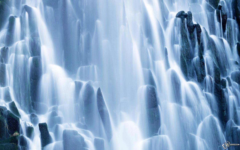 Водопад 1440x900