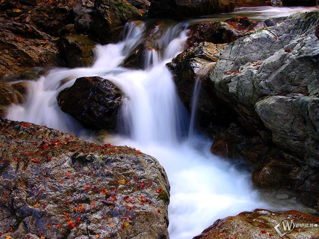 Водопад 1024x768