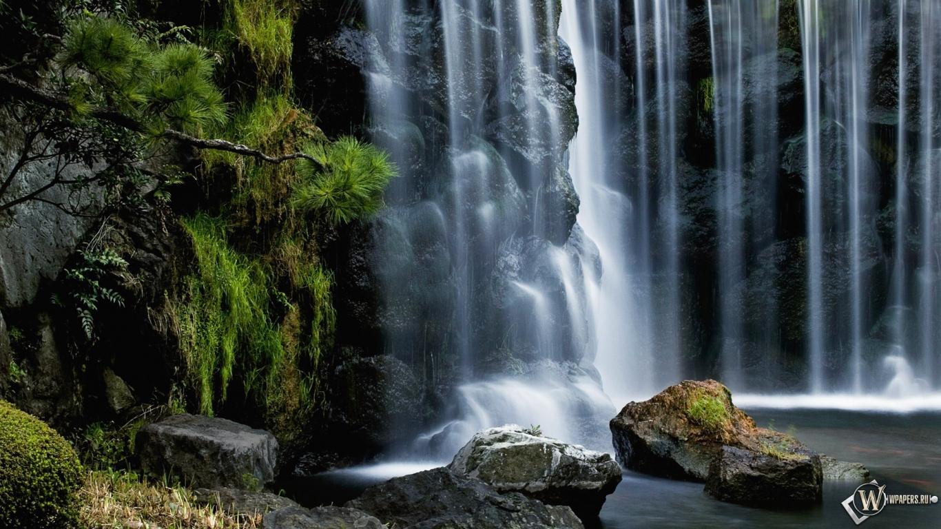 Водопад 1366x768