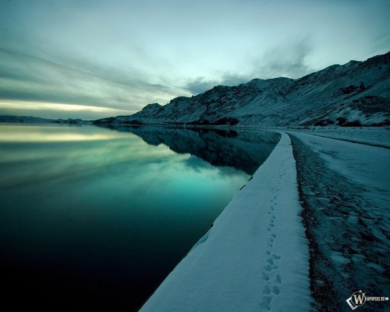Пейзаж зимней набережной 1280x1024
