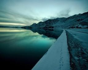Обои Пейзаж зимней набережной: Вода, Небо, Набережная, Зима