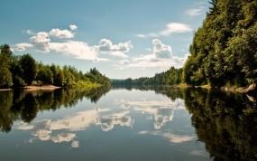 Обои Отражение в реке: Облака, Река, Отражение, Вода и небо