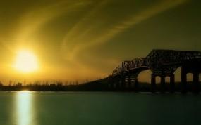 Обои Восход над рекой: Река, Мост, Восход, Вода и небо