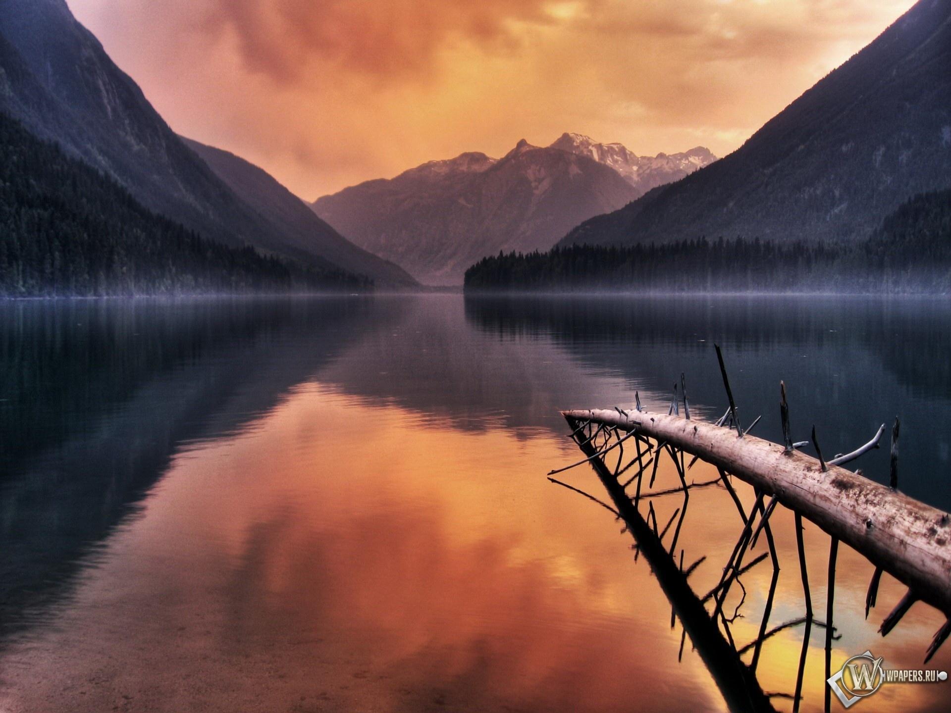 Восход на озере 1920x1440