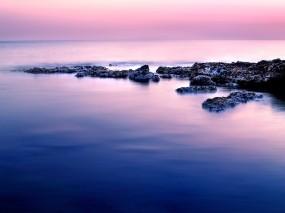 Обои Штиль на море: Вода, Камни, Небо, Горизонт, Вода и небо