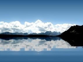 Обои Зеркальный пейзаж: Облака, Горы, Отражение, Вода, Вода и небо