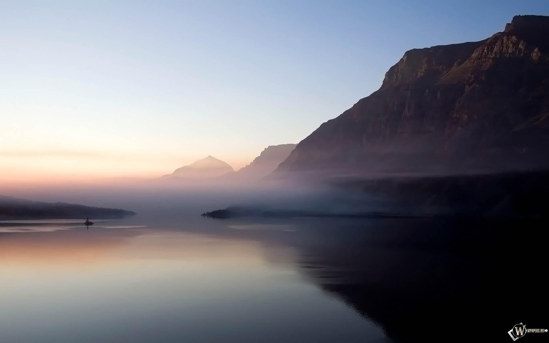 Туман над морем в горах 1920x1200