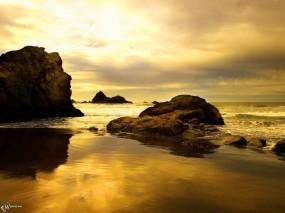 Обои Омытый берег: , Вода и небо