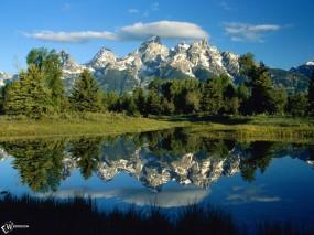 Обои Горы в воде: , Вода и небо