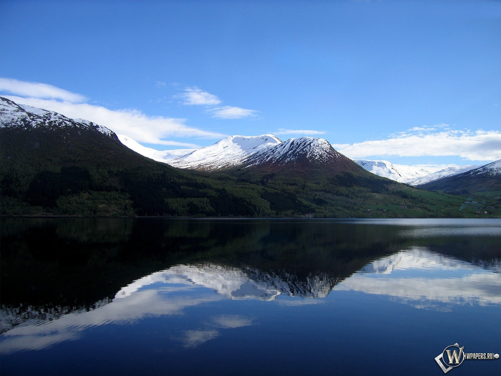 Горное озеро 1600x1200