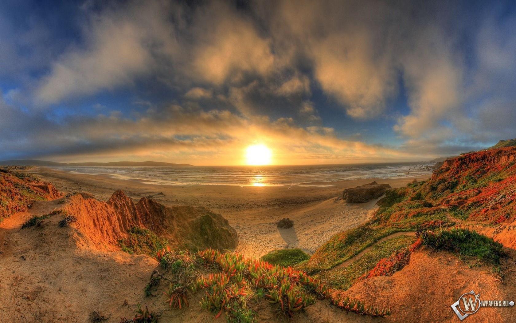 Закат на берегу 1680x1050