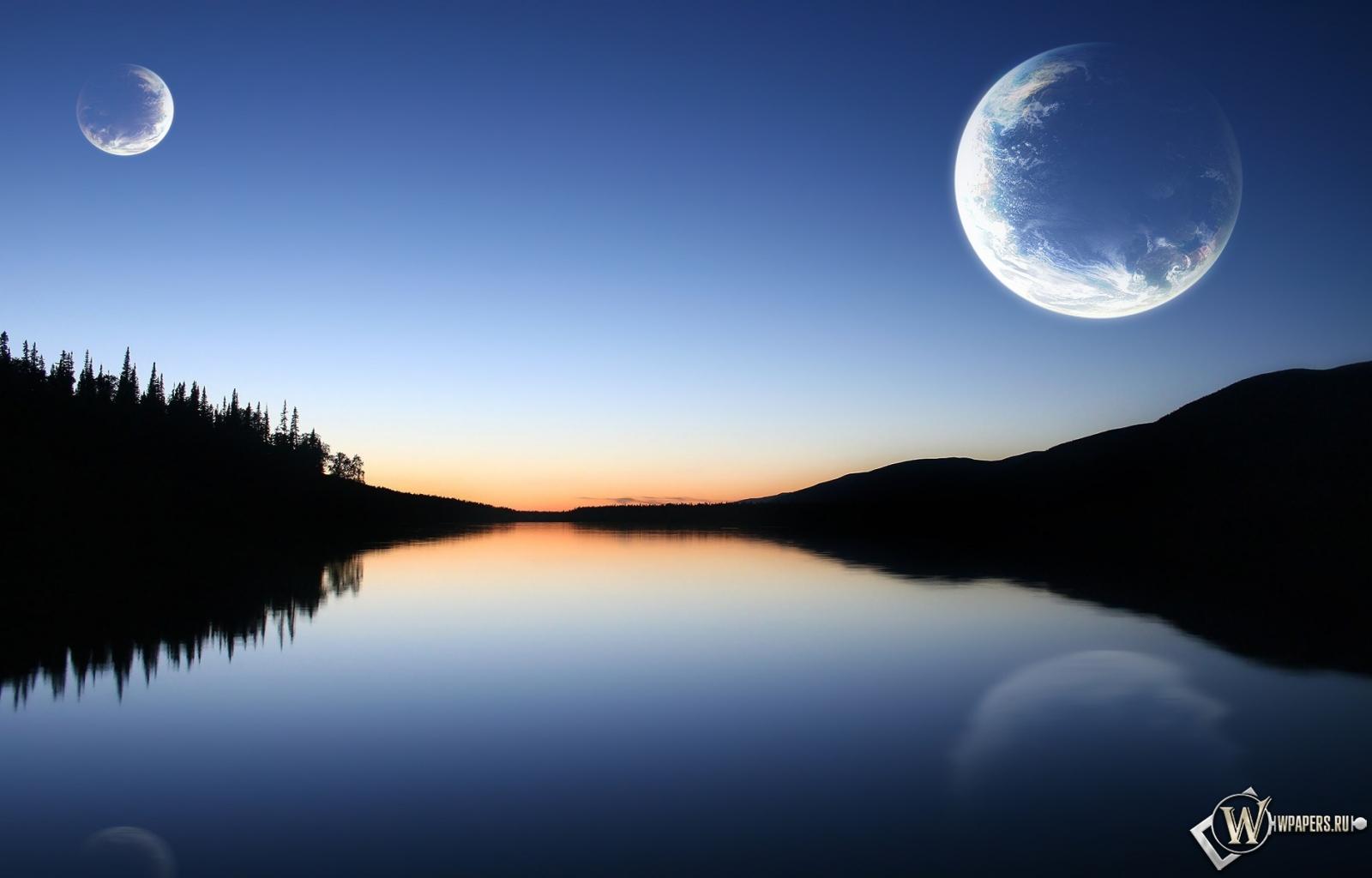 Две луны 1600x1024