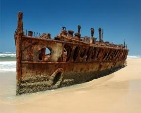 Обои Ржавый корабль: Пляж, Корабль, Корабли
