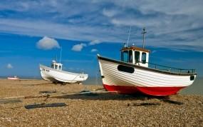 Обои Корабли на берегу: Облака, Лодки, Берег, Корабли