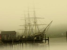 Обои Бермудский треугольник: Причал, Туман, Парусник, Корабли