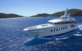 Обои Белая яхта: Море, Яхта, Корабли